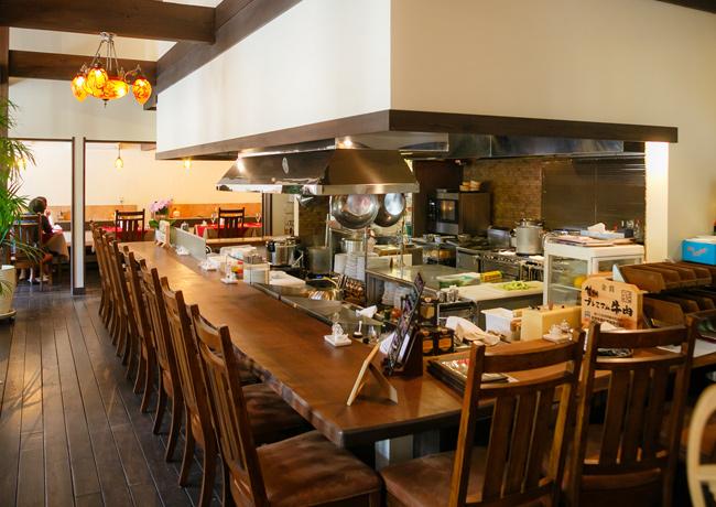 内観ギャラリー「信州・松本の洋食屋レストラン ベル・リヴィエール」